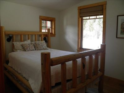 Bunk House, Mom's Place, 1 of 2 queen bedrooms