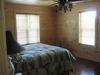 Hayesville cabin photo - Master bedroom with Queen bed