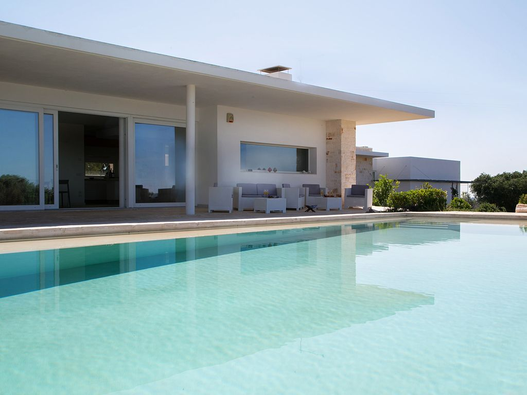 I16037: Modern Property In isternino With Infinity Pool ... - ^