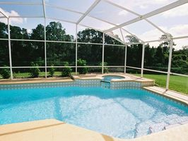 PRIVATE POOL NOT OVERLOOKED Pool Heating not supplied May 31 to September 30.