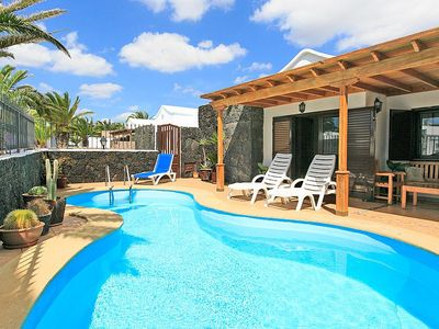 Beautiful Villa With 2 Bedrooms, Private Heated Pool, Set Close To Sandy Beach