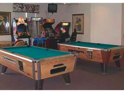 Lake Berkley villa rental - Club House - AirHockey and pool tables