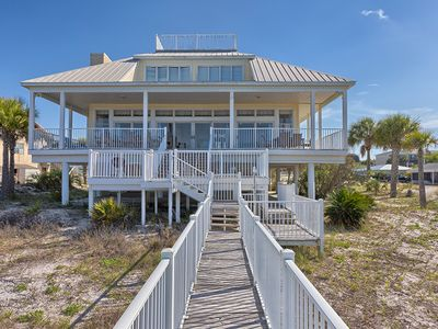 LARGE GULF FRONT HOME, GULF VIEWS, PET FRIENDLY, WIFI