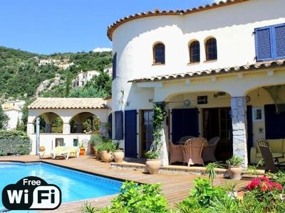 Nice spacious village house and sunny downtown
