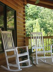 Pine Mountain cabin photo - Front Porch Rocking Chairs