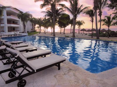 Perfect setting for a wonderful Cozumel vacation, 2 pools and private beach.