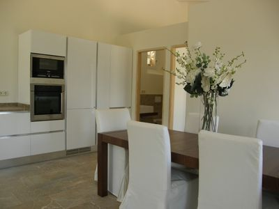 Soller Center cottage rental - Dining table and kitchen