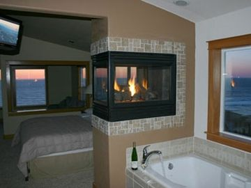 Lincoln City house rental - Master Bathroom with incredible views