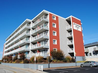 Cozy 3 Bedroom Condo with a Breathtaking View of the Bay and an Outdoor Pool Only Two Blocks to the Beach and Boardwalk!