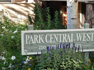 Aspen condo rental - perfect location- walk to everything