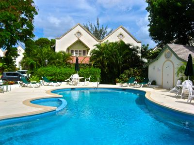Hastings villa rental - Relax by the large pool