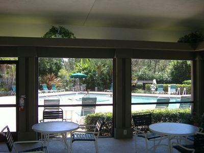 Pool house, nice large pool, hot tub, tennis courts