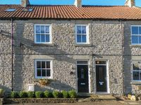 MAD HATTERS COTTAGE, pet friendly in Nawton, Ref 21706
