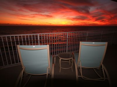 Imagine yoiurself in these lounge chairs for this 15th floor sunset!!!
