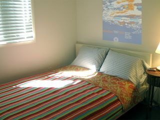 Sag Harbor cottage photo - Beautiful Light in this Lovely Bedroom w/Full bed, 2 windows, closet & dresser