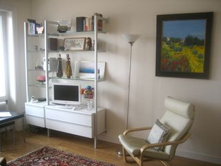Lyon studio photo - Free hi-speed internet, phone & cable TV (incl. CNN, BBC, TV5, etc.)