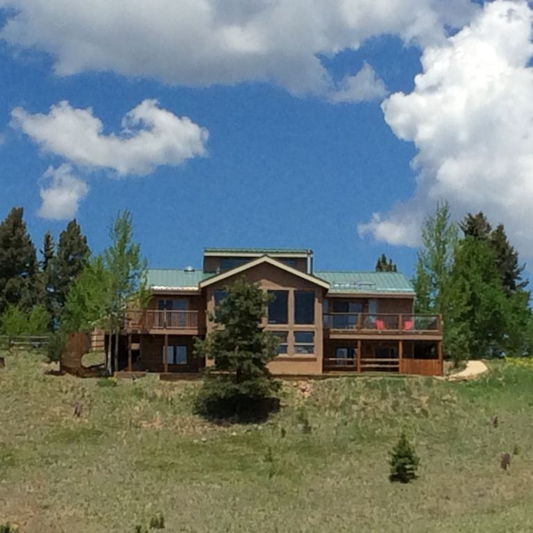 Luxury Mountain Home W Pikes Peak Views On 4 Ac Perfect For Families