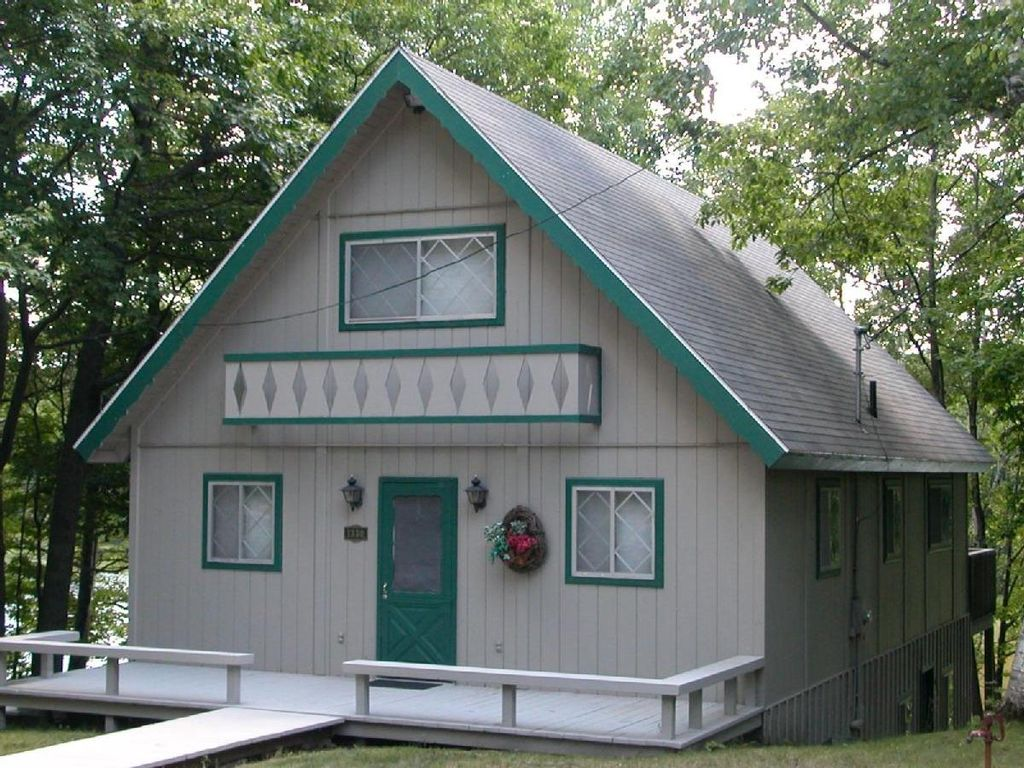 This northern michigan chalet sleeps homeaway gaylord for 7 bedroom house for rent in michigan