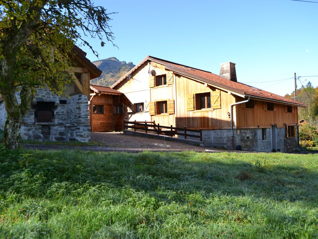 Peaceful accommodation, 250 square meters, recommended by travellers !