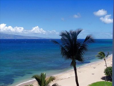 White sands of Kaanapali Beach!!
