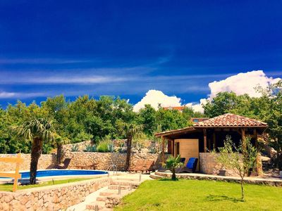 image for Big villa with pool, 10 min. to the beach, pets welcome