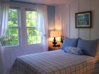 Colonial Beach cottage photo - The Hawthorn Room Light filled bedroom overlooking large backyard