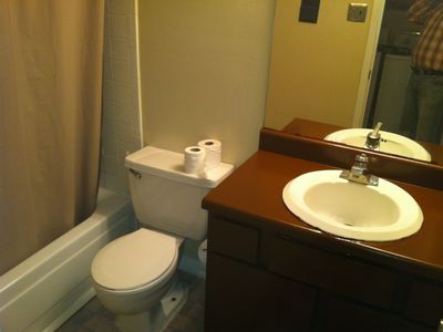Houston condo rental - bathroom 1