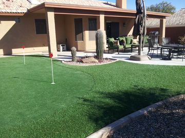 Fountain Hills house rental - Patio with Putting green