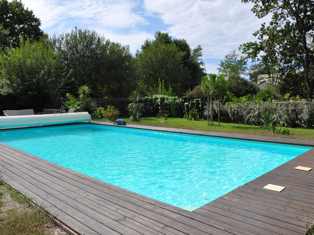 Chalet landes 39 dragonfly 39 on barnyard oak with swimming - Bordes de piscinas ...