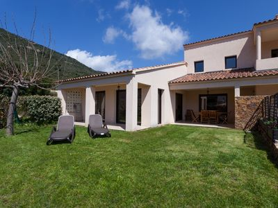 Air conditioned 140m2 villa, brand new, finished March 2009, all mod cons.