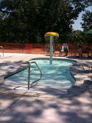 Branson cabin photo - Kiddie Pool with Water Umbrella