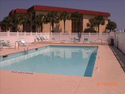Second heated pool -in season-