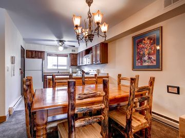 Cedars Townhomes Dining Ski-in/Ski-Out Breckenridge Lodging