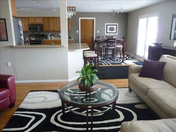 Open living space, dining room and kitchen, perfect for entertaining