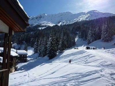 Apartment with stunning views ideally situated on the slopes and shops nearby...