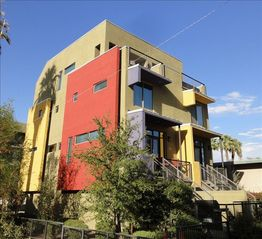 Phoenix townhome photo - Contemporary entertainer's dream.