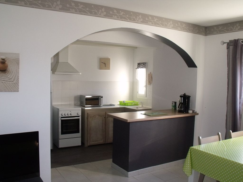 Quiet air-conditioned accommodation, 52 square meters