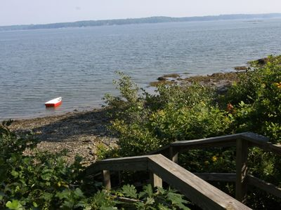 Cushing cottage rental - Access to private beach.