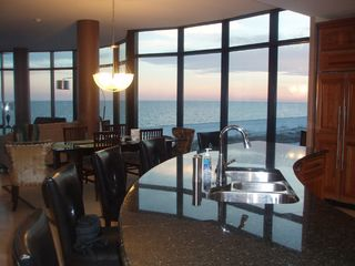 Perdido Key condo photo - Counter Bar and Dining Area