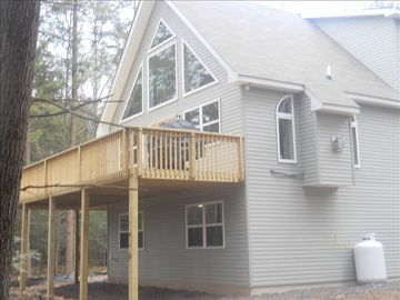 Blakeslee house rental - Large Deck & Windows Overlooking Lake