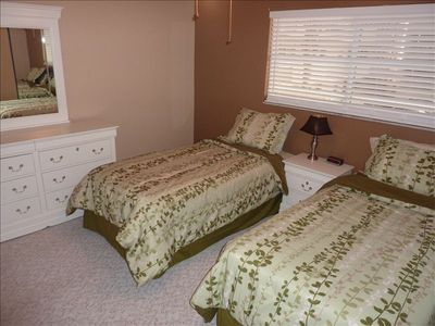 2nd Bedroom, 2 twin Beds