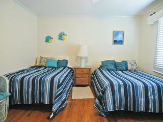 Wrightsville Beach cottage photo - Guest bedroom
