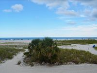 WOW $85/NIGHT !! GULF VIEWS GALORE, BEACH FRONT CONDO~ KING BED~SLEEPS 4~ JUST WALK OUT TO THE BEACH FROM YOUR UNIT