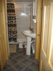 Locust Lake chalet photo - One of two completely renovated full bathrooms