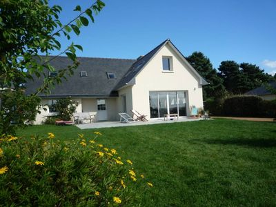 Beautiful house of holidays with sight on sea, any loan of the beach - the terrace and the lawn were remade in 2010