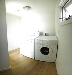 Venice Beach townhome photo - Private laundry