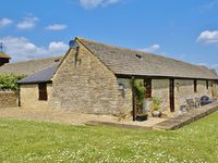 The Cotswold Manor House, Sleeps 20 with Hot Tub and Games Barn