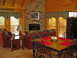 Pigeon Forge cabin photo - Kitchen and Living Area