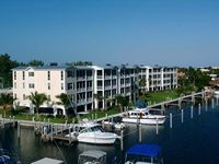 Luxurious Bay Harbour - Ocean View, Boat Dock, Pool, Jacuzzi & Tennis Courts!