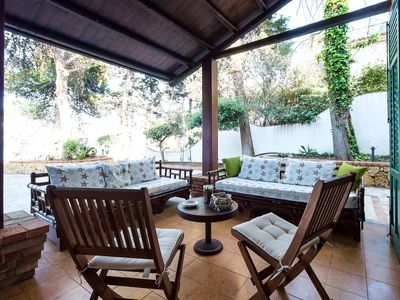 Exclusive villa with private access to the sea